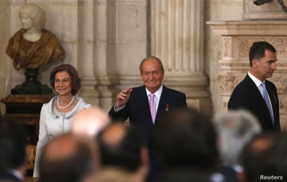 the spanish royal family s scandals reveals unsolicited gift