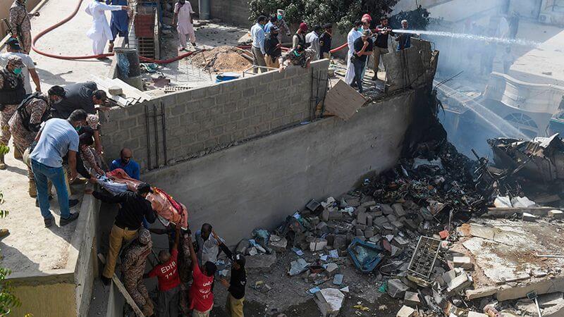 pia crash in karachi visuals