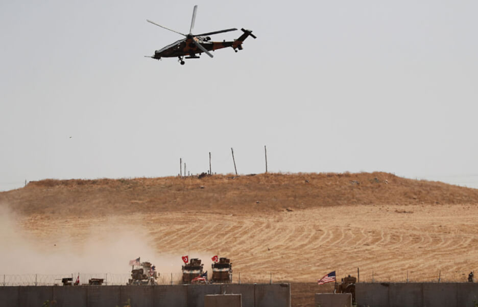 Syria: American helicopters and fighters fly over the Al-Hasakah city