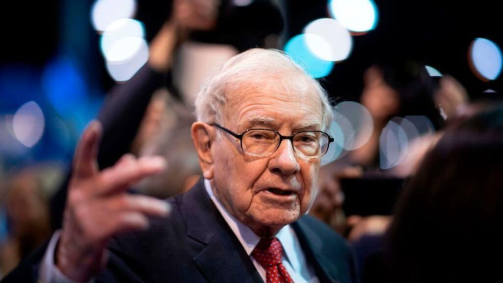 Warren Buffett loses 55 billion for COVID-19 but increases liquidity