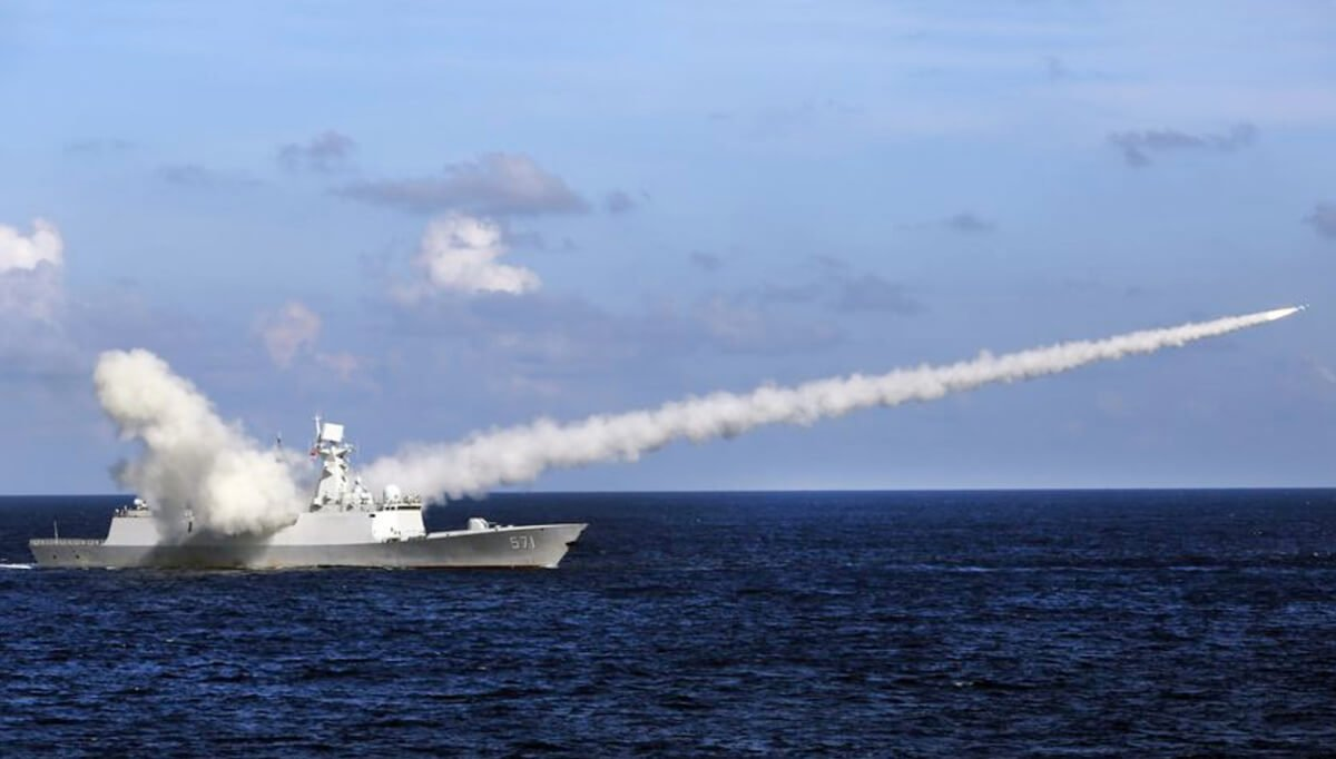"China intimidates the United States with a missile launch of ""aircraft carrier killer"", China-America relations, US-China War, US-China military war in sea, anti aircraft missile of chinese navy and army, USA in war, Asia News, American News, China News, Donald Trump, Policy News, Diplomacy News, World News, Breaking News, Latest News; The Eastern Herald News"