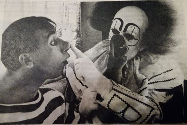 "Soviet clowns amazed the foreign public by the fact that they worked practically without makeup (Andrey Nikolaev with his Australian colleague, the magazine ""Soviet Stage and Circus"", 1973, No. 10, photo by S. Chernykh)"